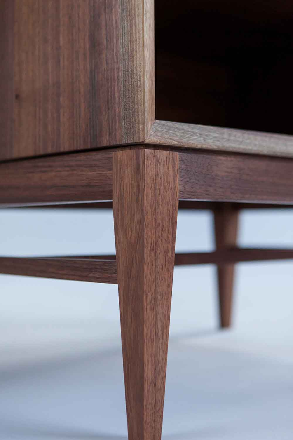 wickham_quartersawn_walnut_nightstand4_tom_moore_photo.jpg