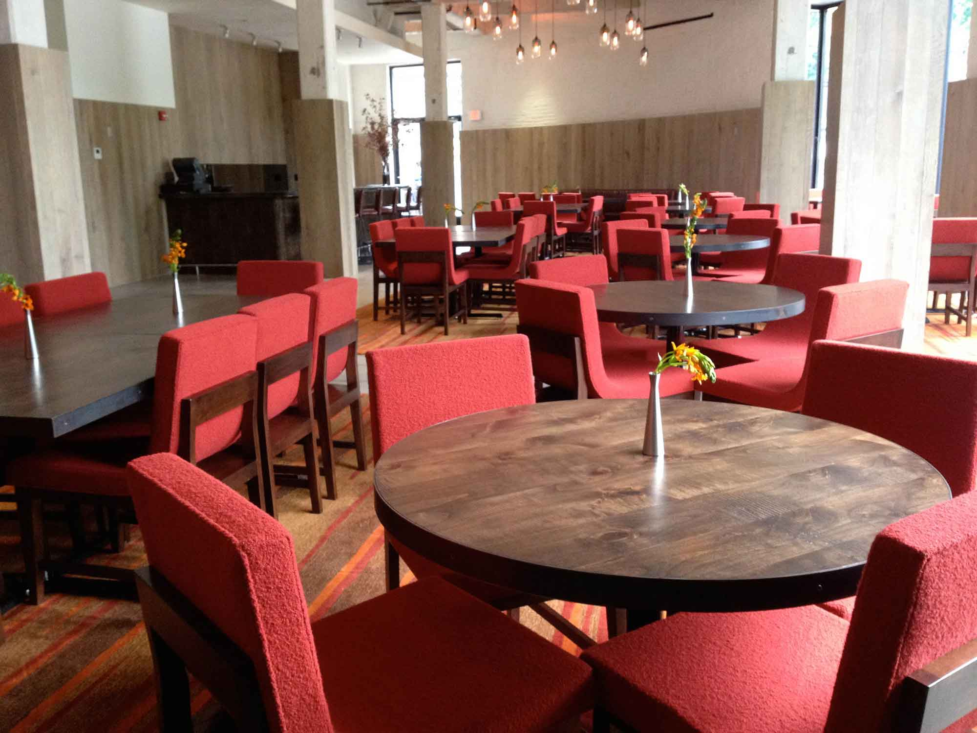 roundhouse-dining-tables-13673-2.jpg
