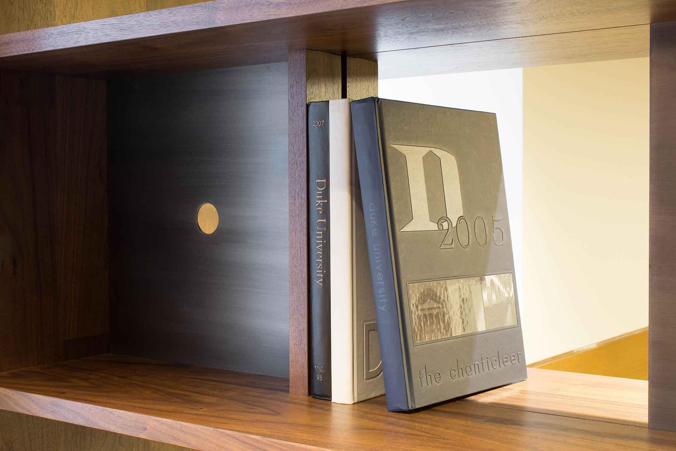 duke-bookcases-412.jpg