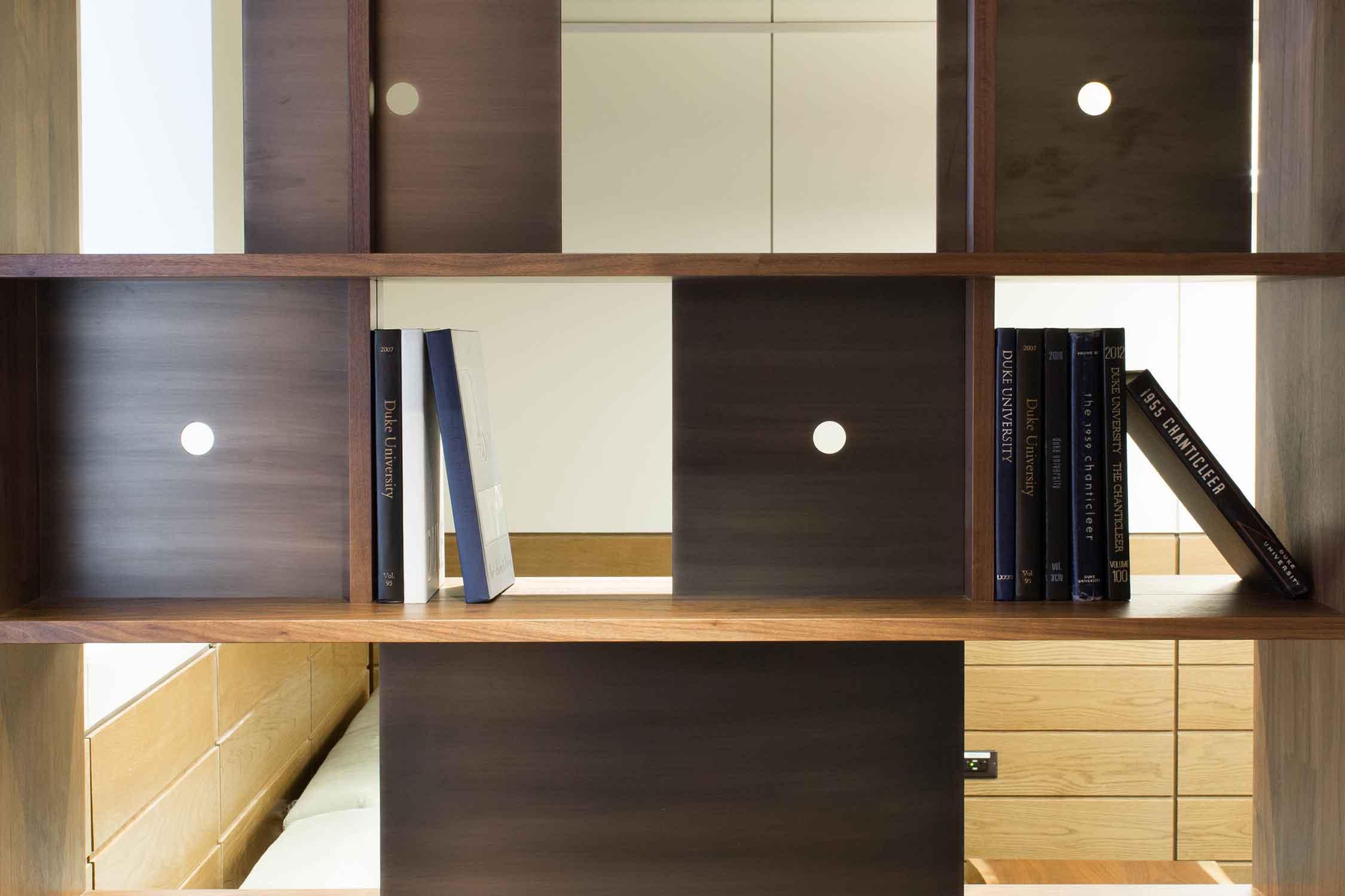 duke-bookcases-413.jpg