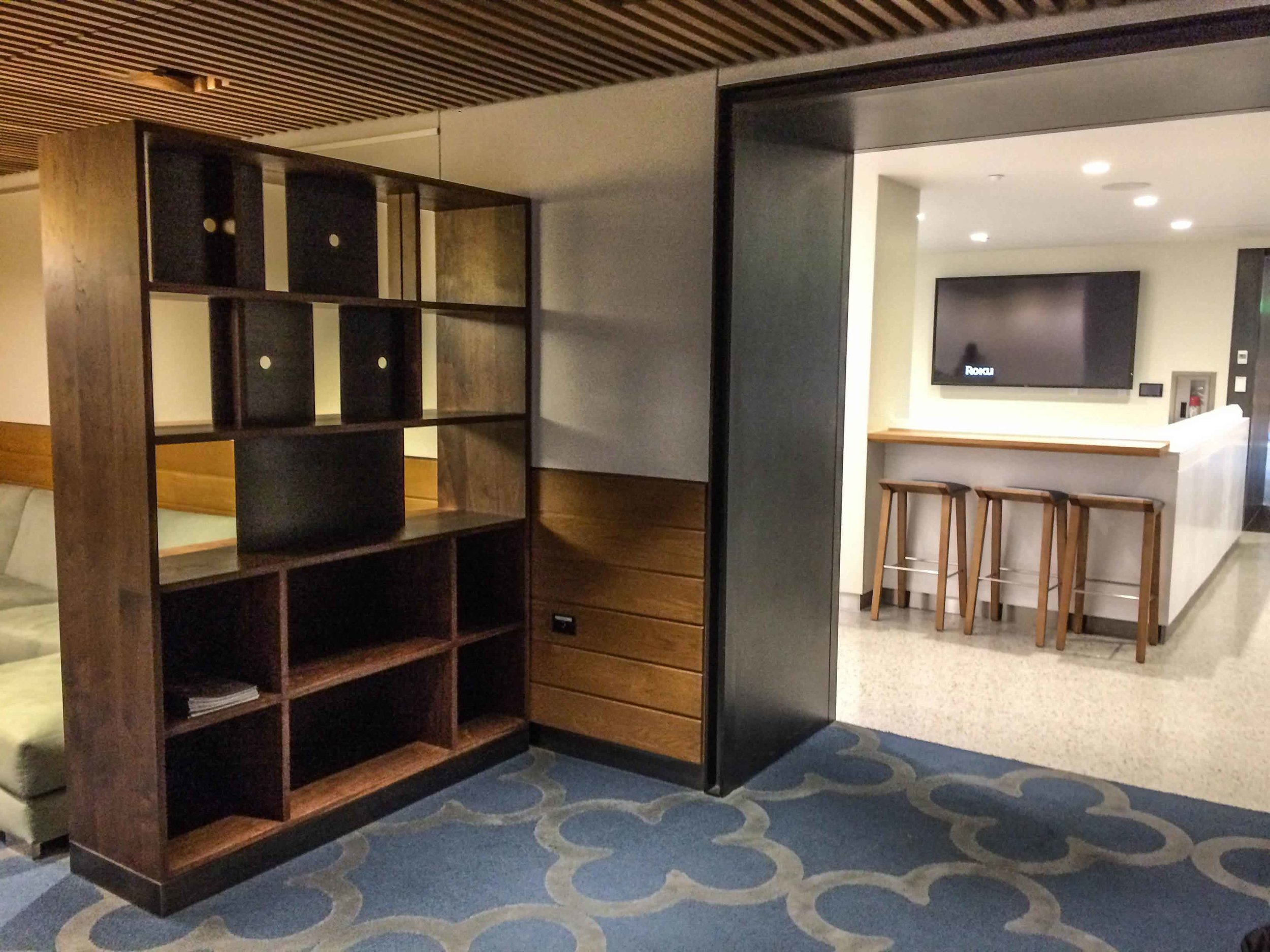duke-bookcases-3841a.jpg