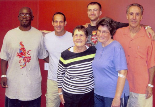 Tim, his mom, and the other four donors and recipients in the kidney donation Chain from August 2010.