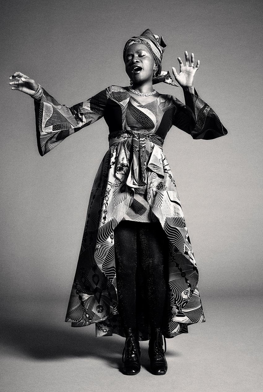 Kidjo-biography-photo-2.jpg