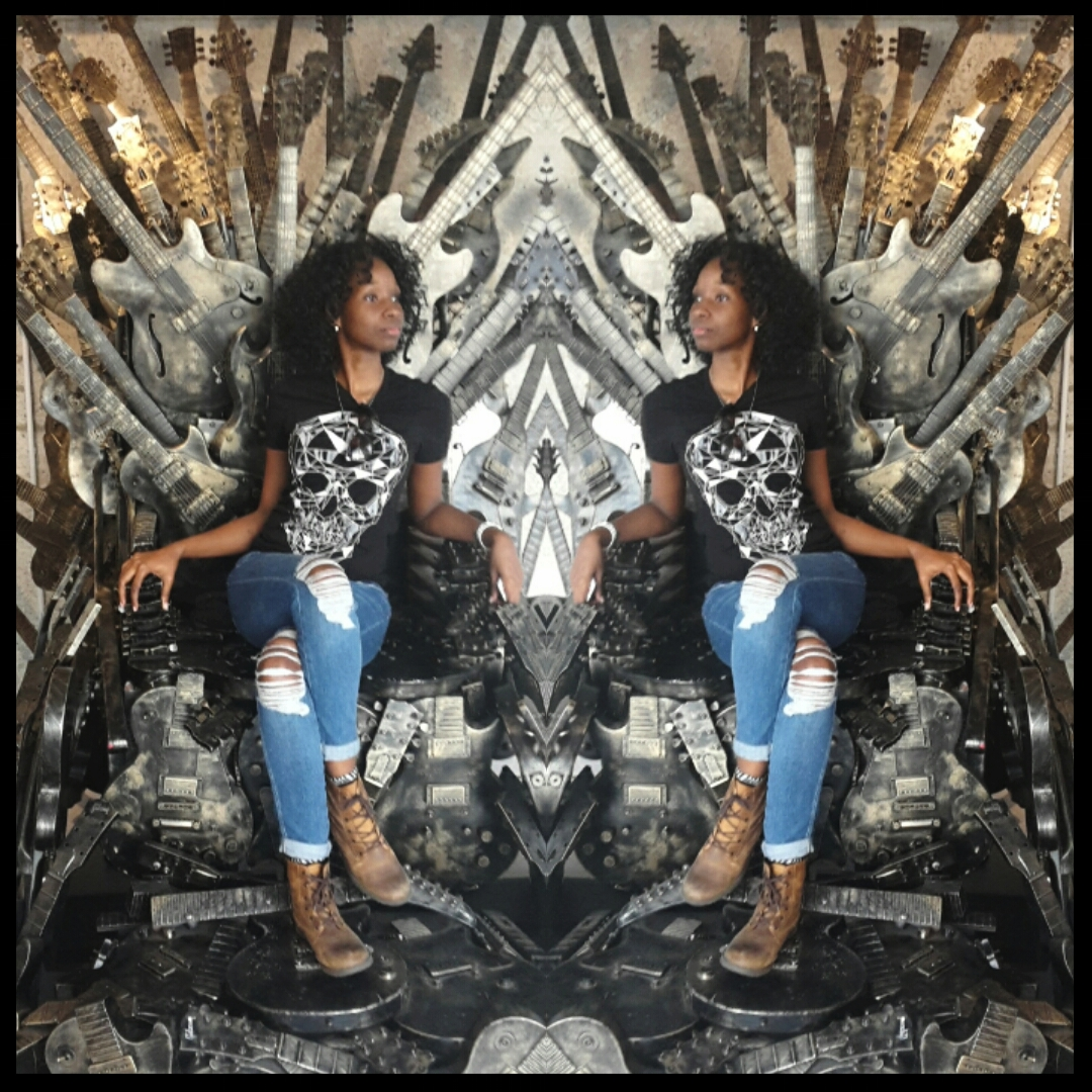 How lucky was I to find a throne that matched my outfit!