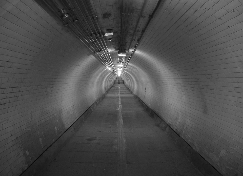 tunnel-746185_960_720.jpg