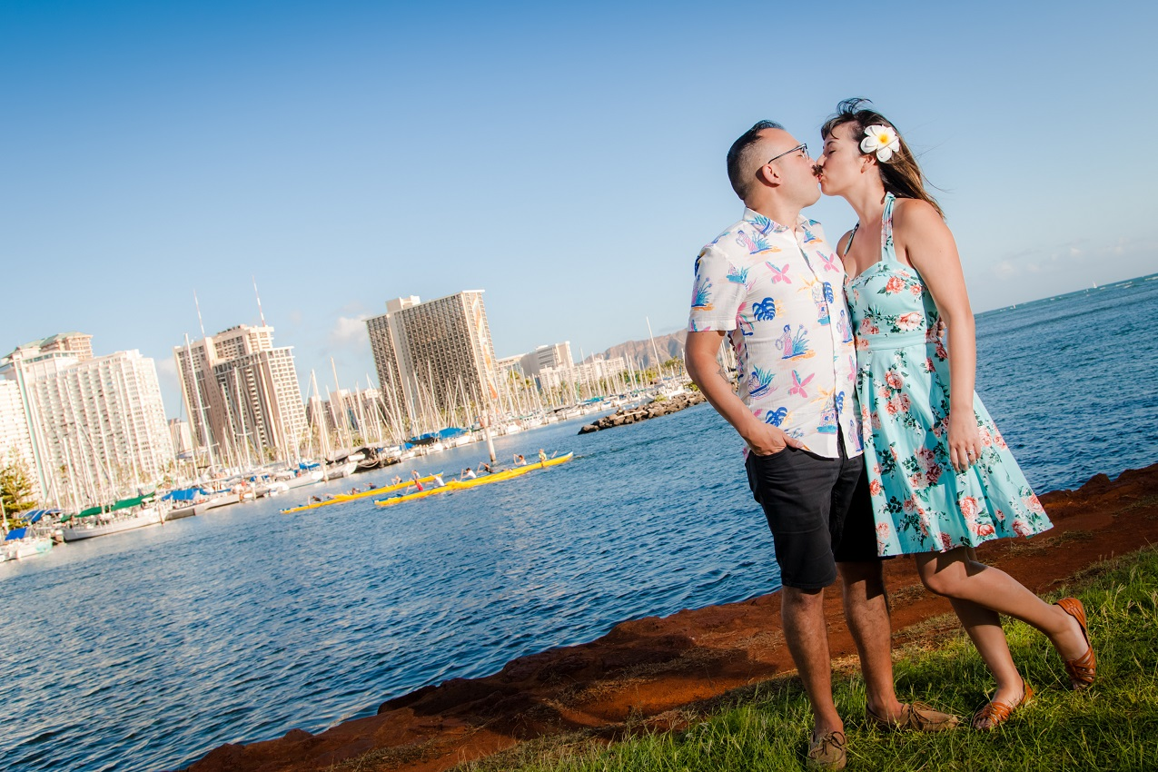 engagement photography waikiki oahu hawaii