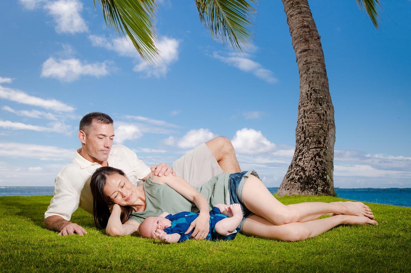 newborn family portrait hawaii