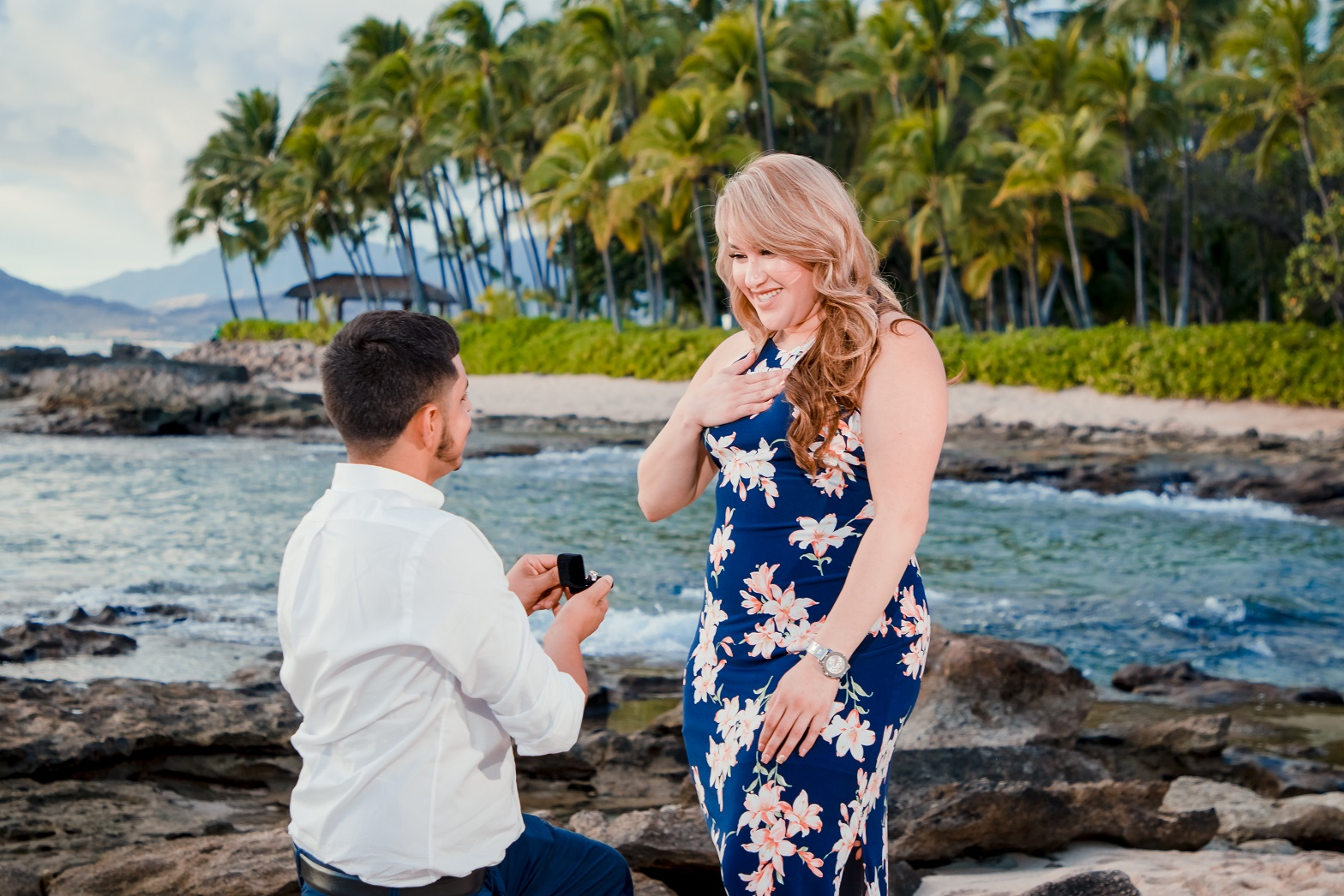 oahu surprise proposal photographer