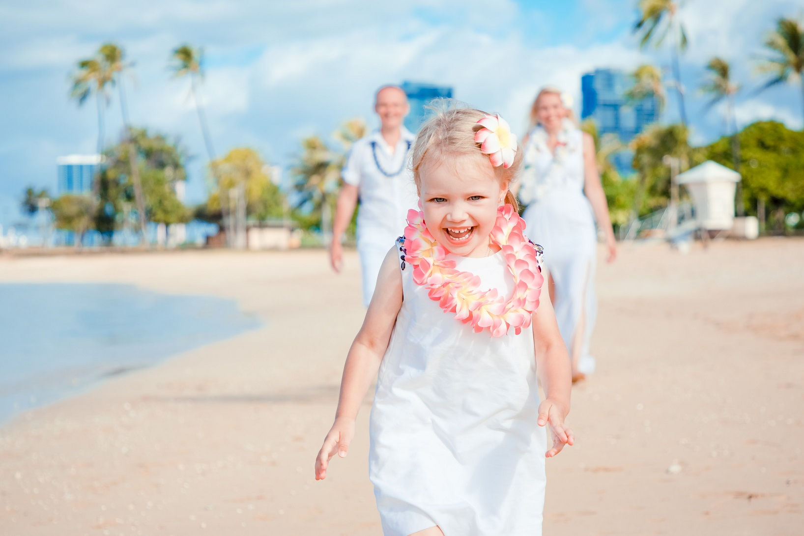 children kids family beach photos in honolulu