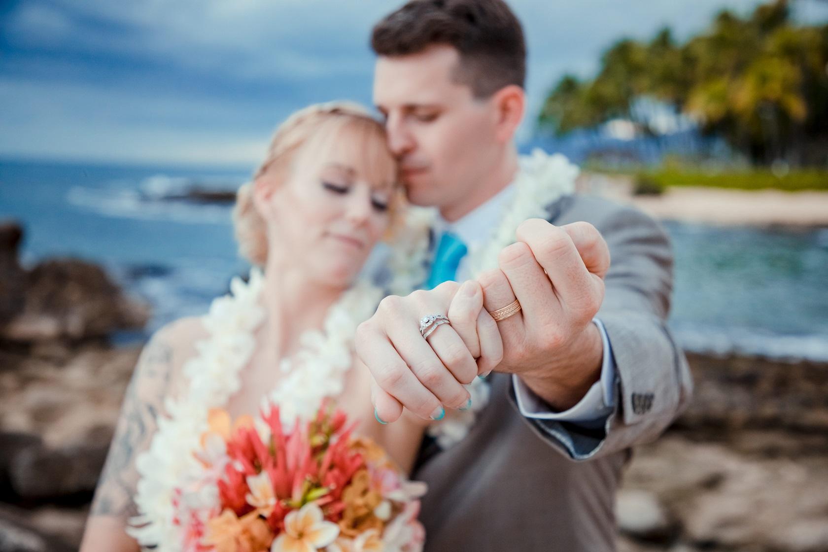 bride and groom wedding rings oahu hawaii