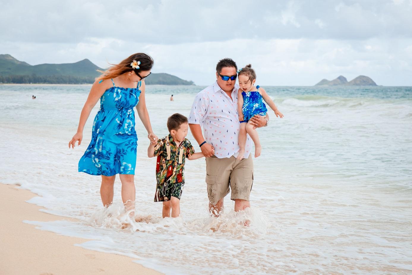 walking in the surf family photo shoot oahu hawaii