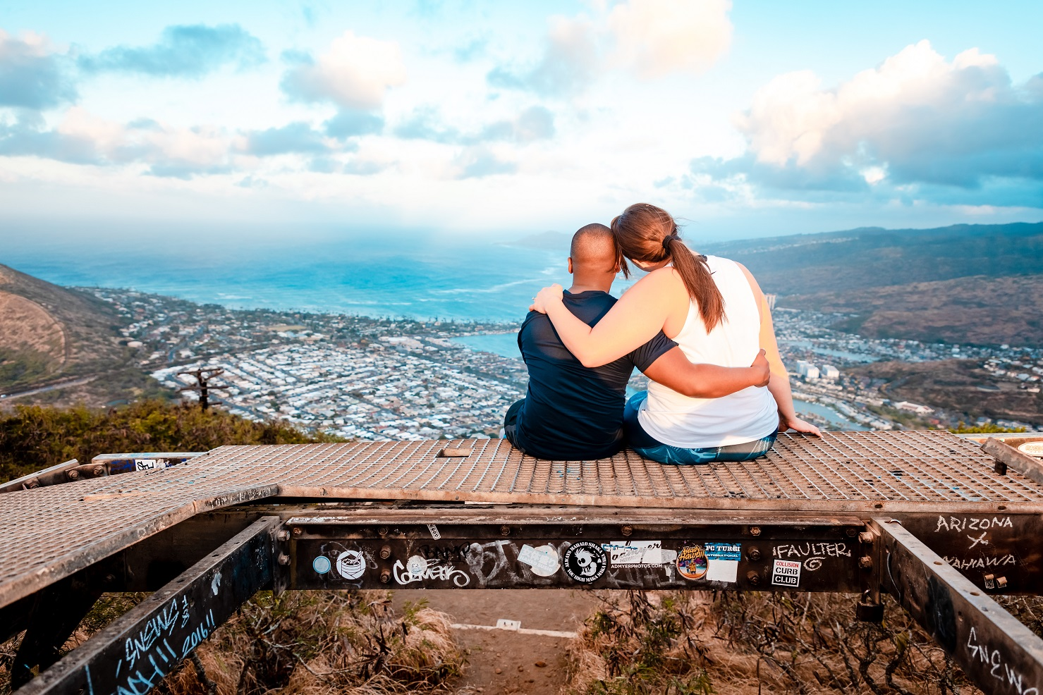 romantic couple sharing the view top of koko crater oahu