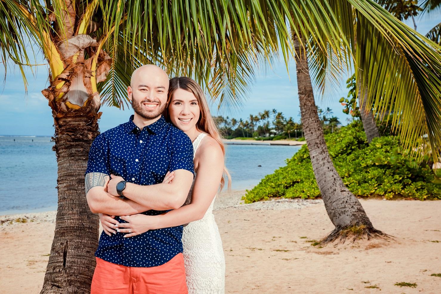 hawaii engaged couples photo session oahu beach