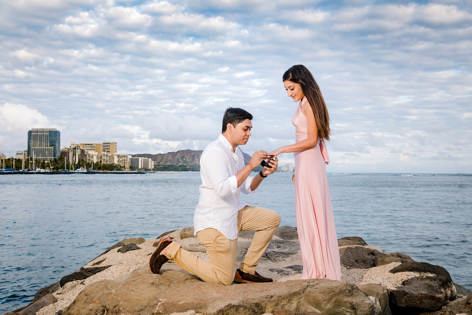 waikiki oahu hawaii engagement proposal surprise photographer