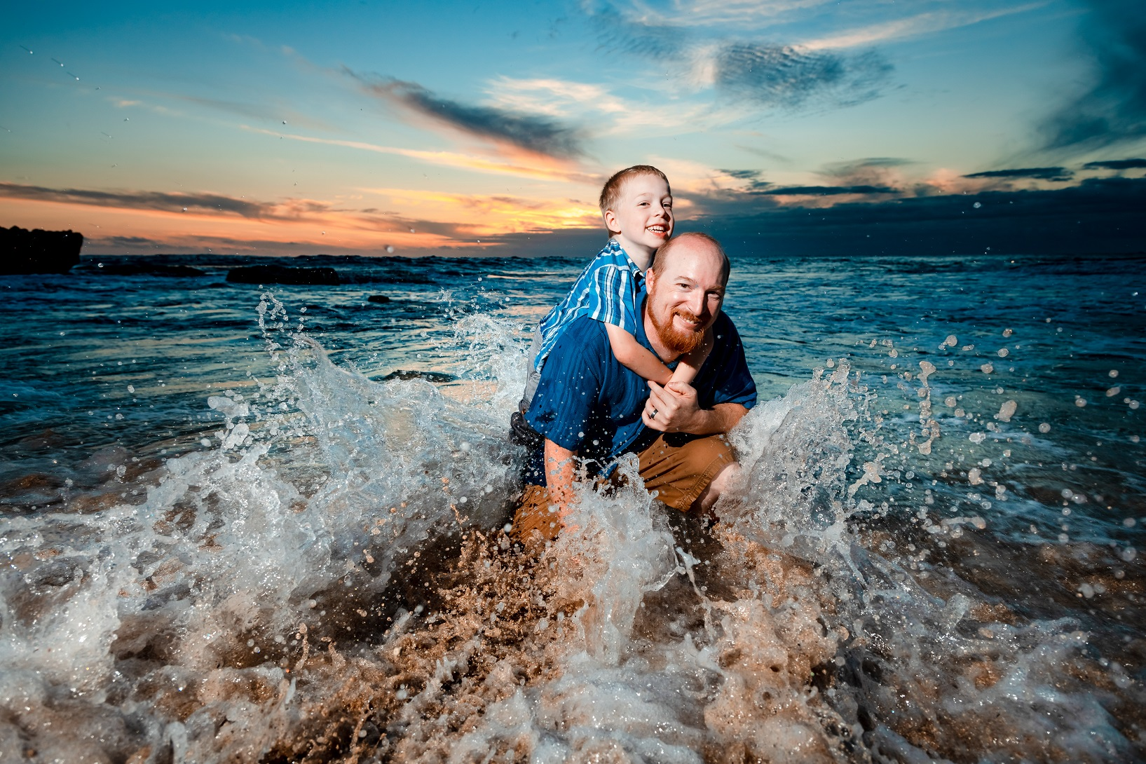 maui sunset beach family portrait photographer