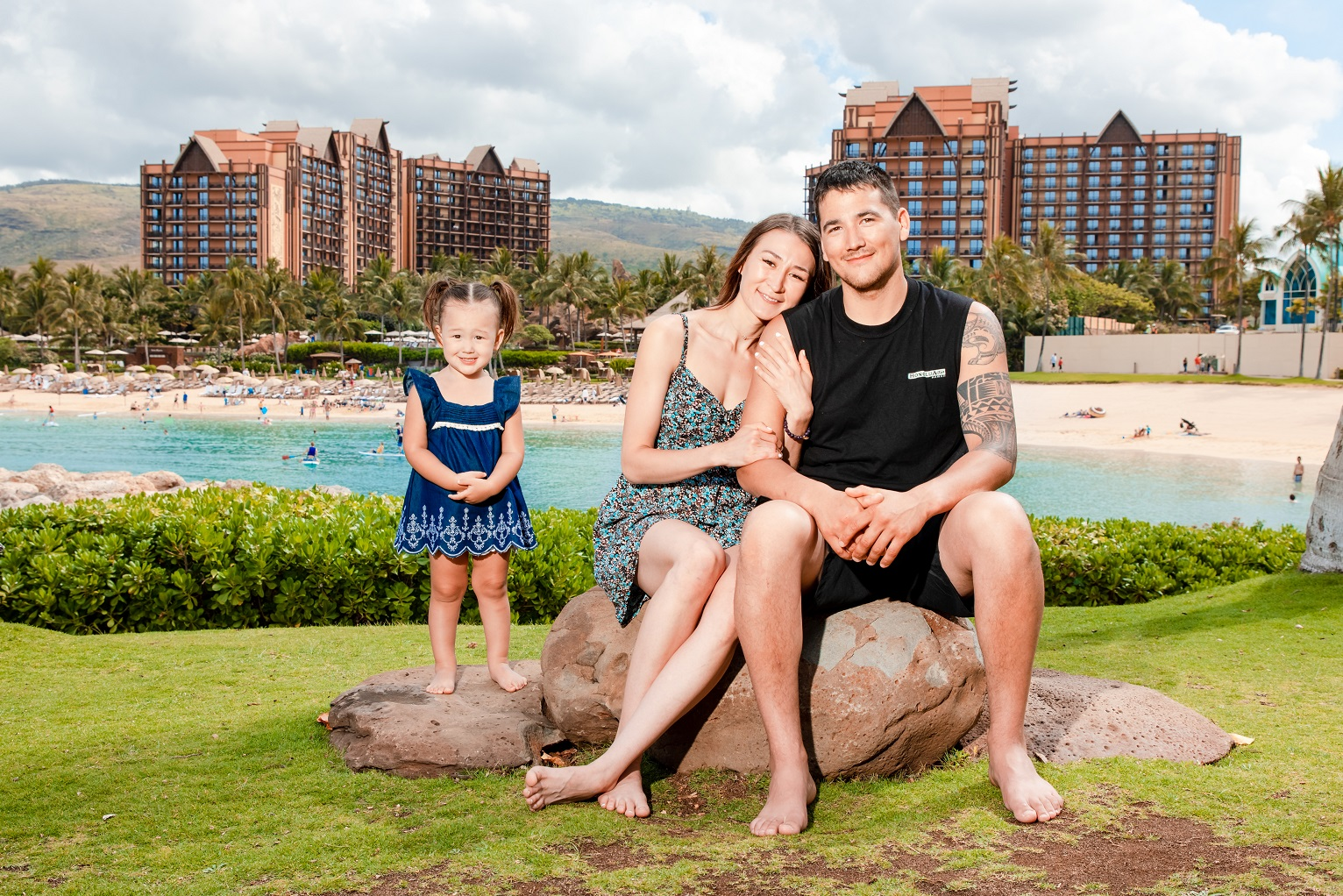 Family Portraits at Disney Aulani in Ko Olina, Oahu Hawaii