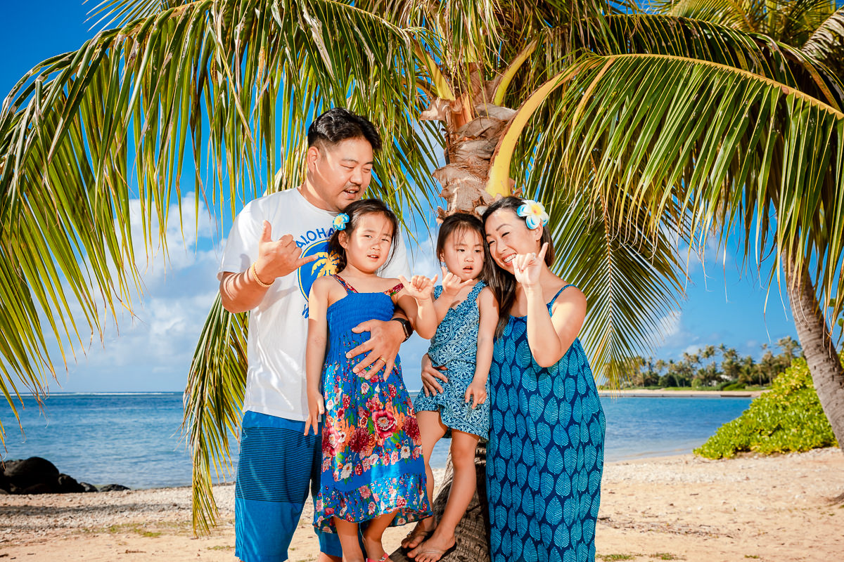 kauai poipu beach resort hawaii beach palm tree family photography