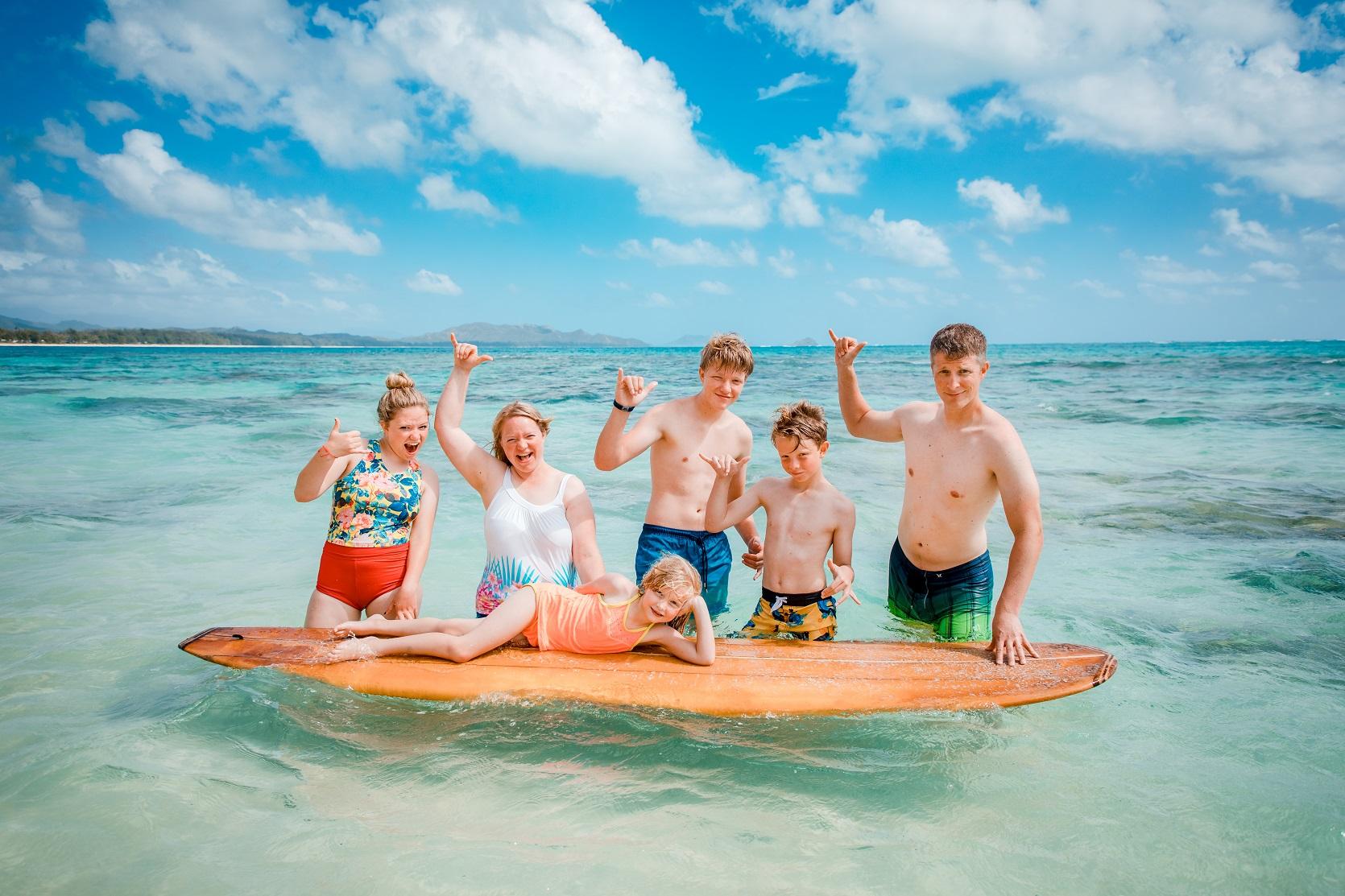 kauai family ocean play surfboard vacation photos photographer
