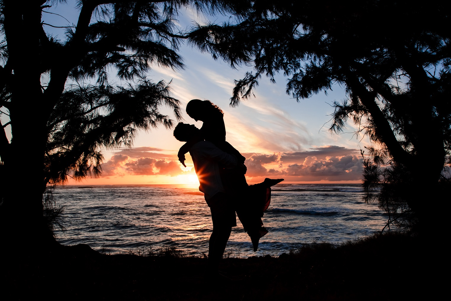 romantic couples sunset silhouette photo honeymoon