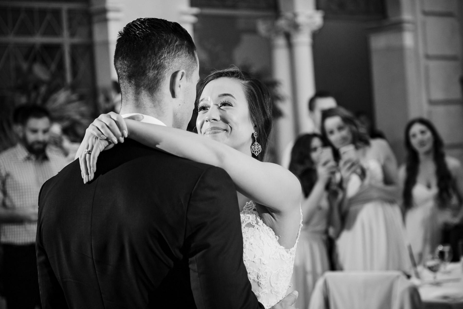 first wedding dance bride groom black white oahu hawaii