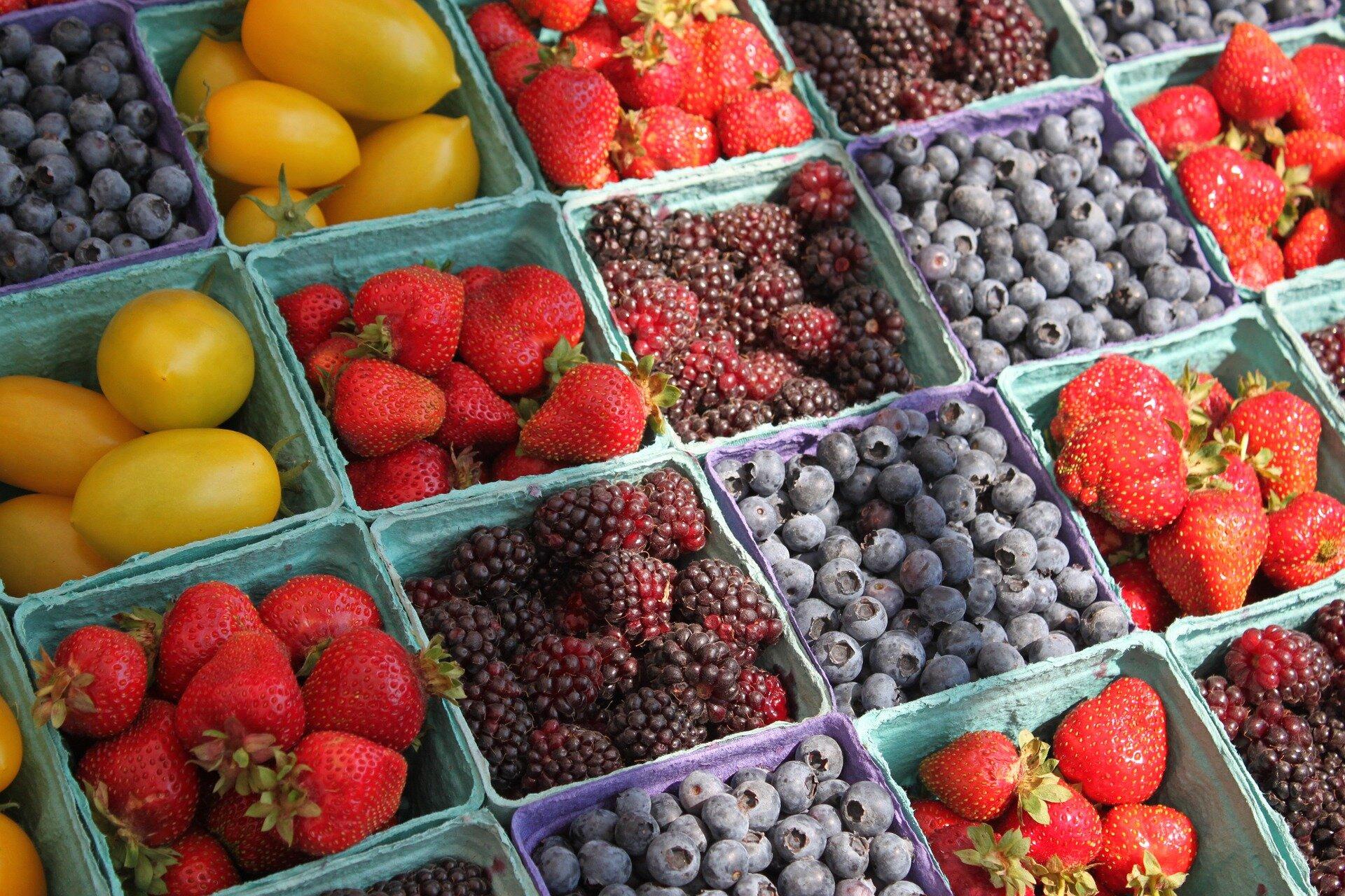 shop local farmers market