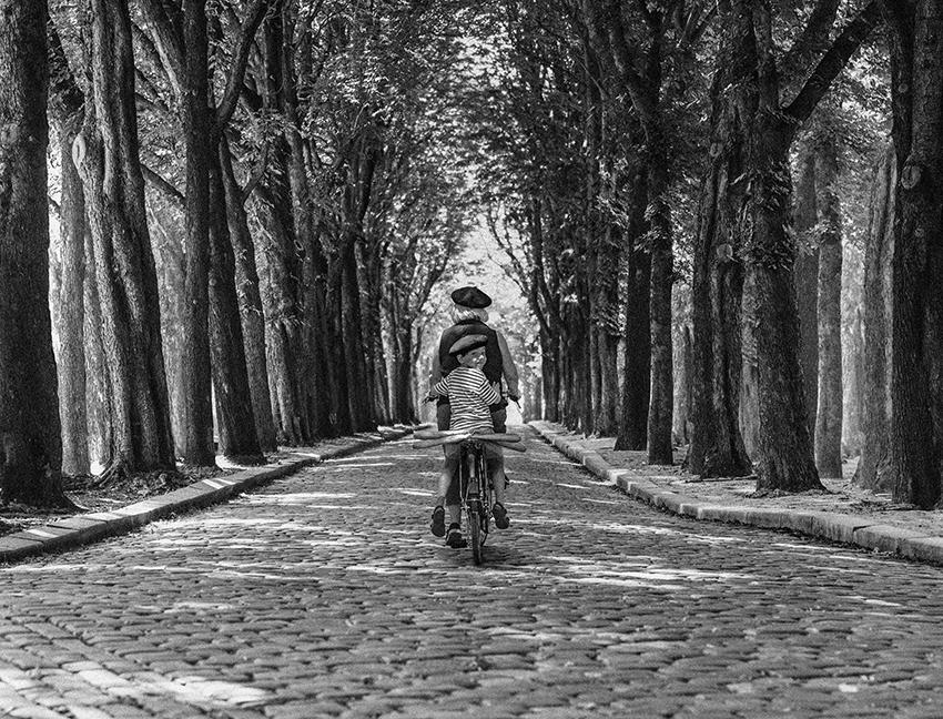 PARIS BAGUETTE.SLR.WEB.jpg