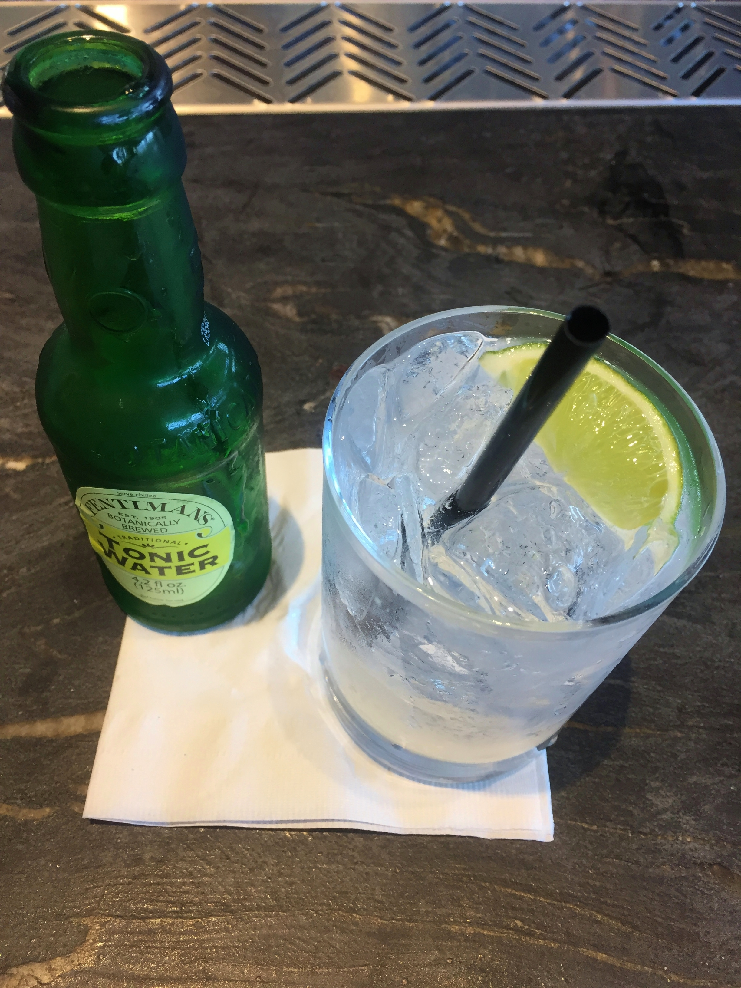Earls Kitchen and Bar Gin and Tonic