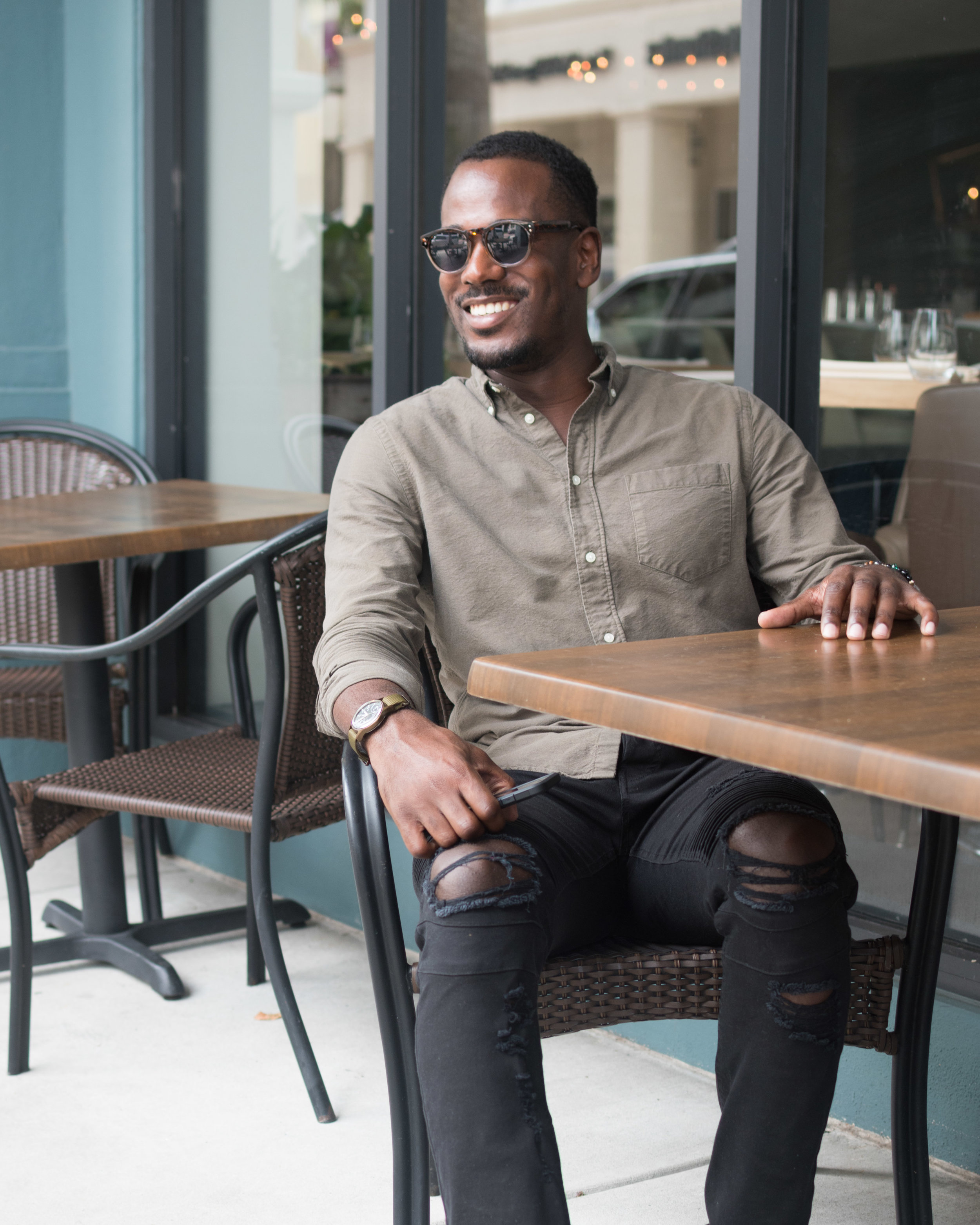 Transitioning into autumn, I like to wear breathable cotton shirts in fall-appropriate colors to balance both comfort and style.#GregsStyleGuide@DiscoverCotton #ShopCotton