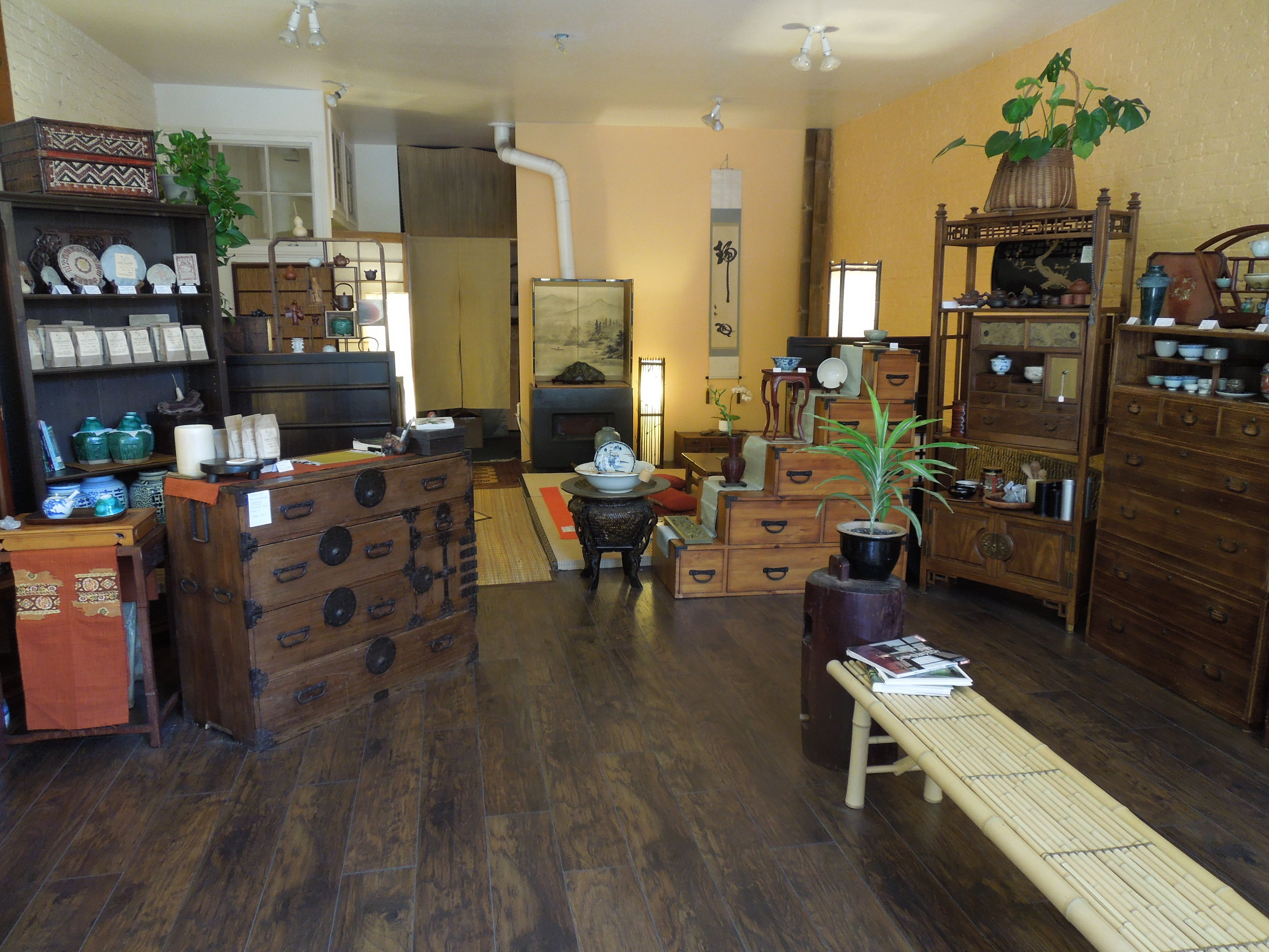 O ld Jade Summit Tea & Antiques downtown Nevada City location (before flood)