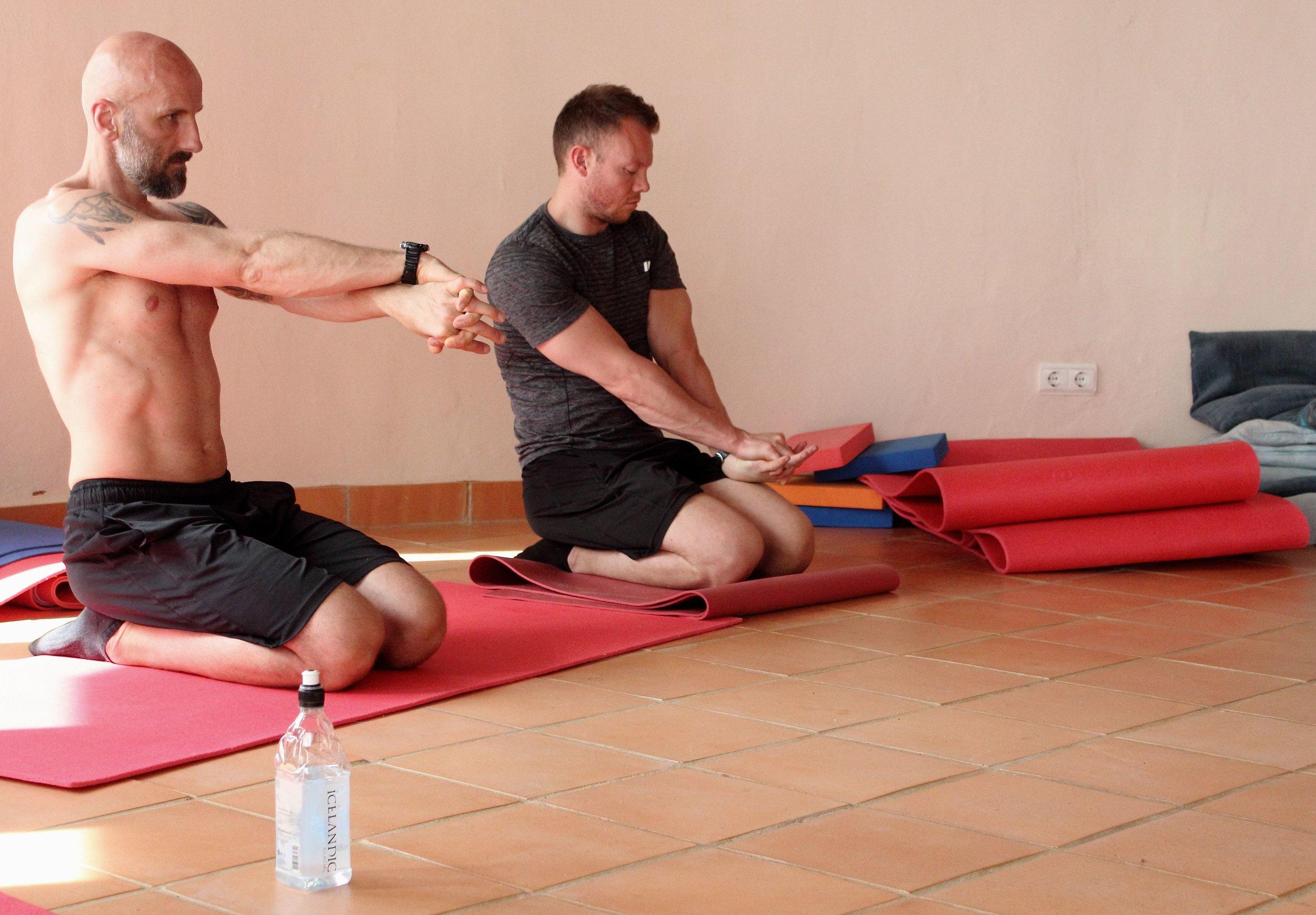 Inertia Retreat Saturday Afternoon_Mikael Handbalancing_Seve_3.jpg