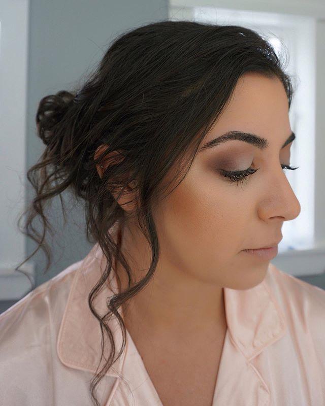Gorgeous bridesmaid glam😍💕💐 Using the @katvondbeauty Lolita palette