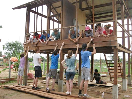 Volunteers hard at work for VBC in Siem Reap
