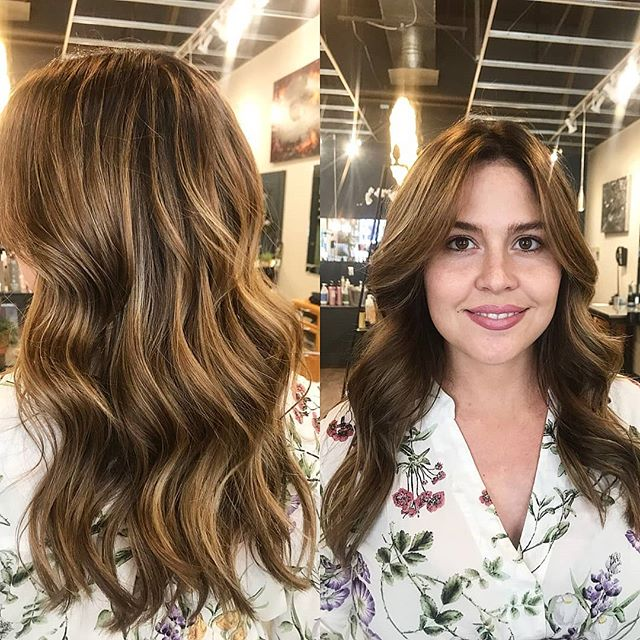 School has started and Fall is right around the corner! 🍁 So its obviously time for a little change!  Erin touched up the regrowth and added some beautiful soft balayage throughout.  #goldwellusa #goldwellapprovedus #schwarzkopf #loveamika #hair #balayage