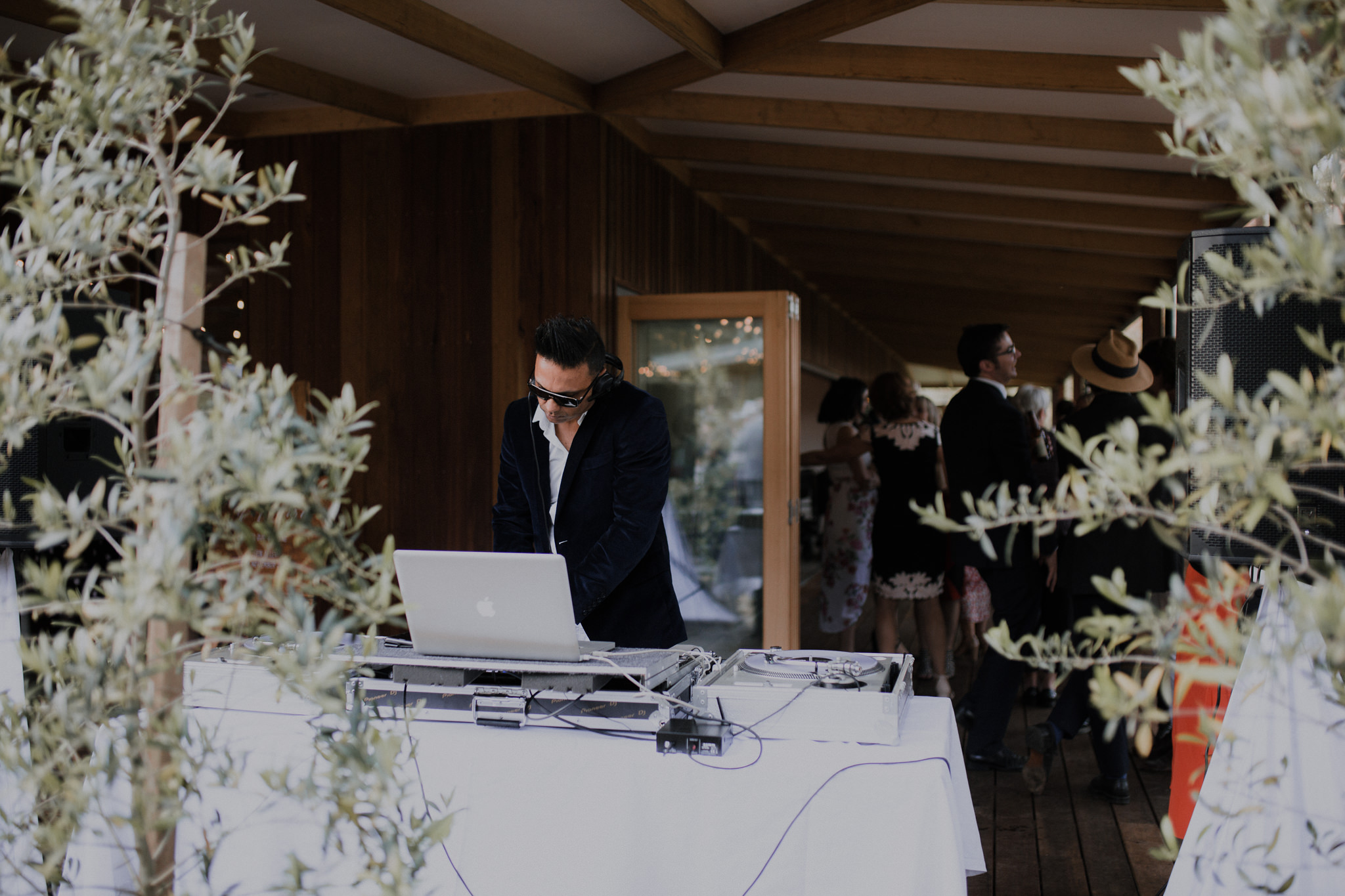 rolan_john_photo_erin+levi_daylesford_wedding-438.jpg