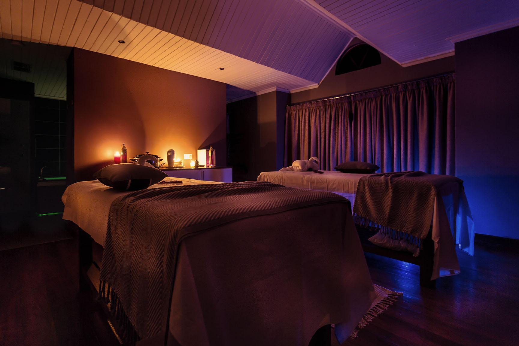 saffron_couples_room.jpg