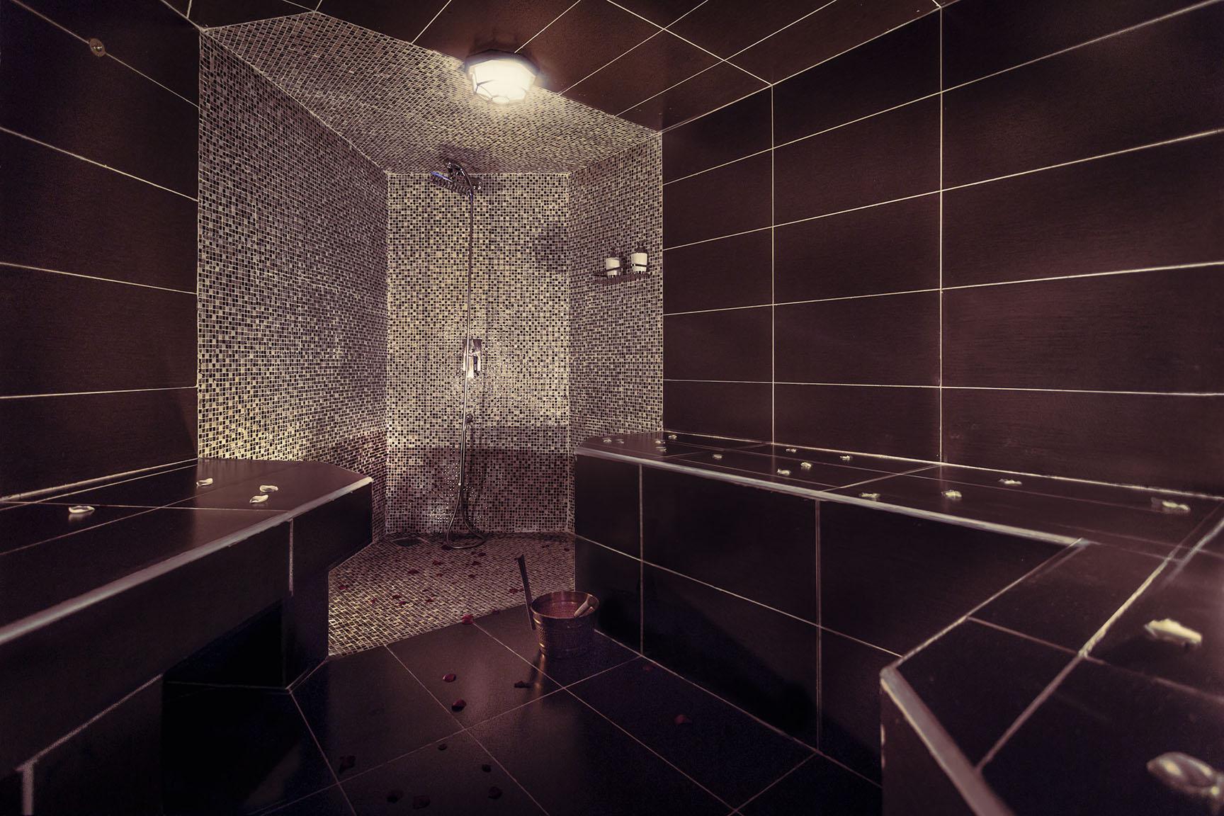 saffron_steam_room.jpg