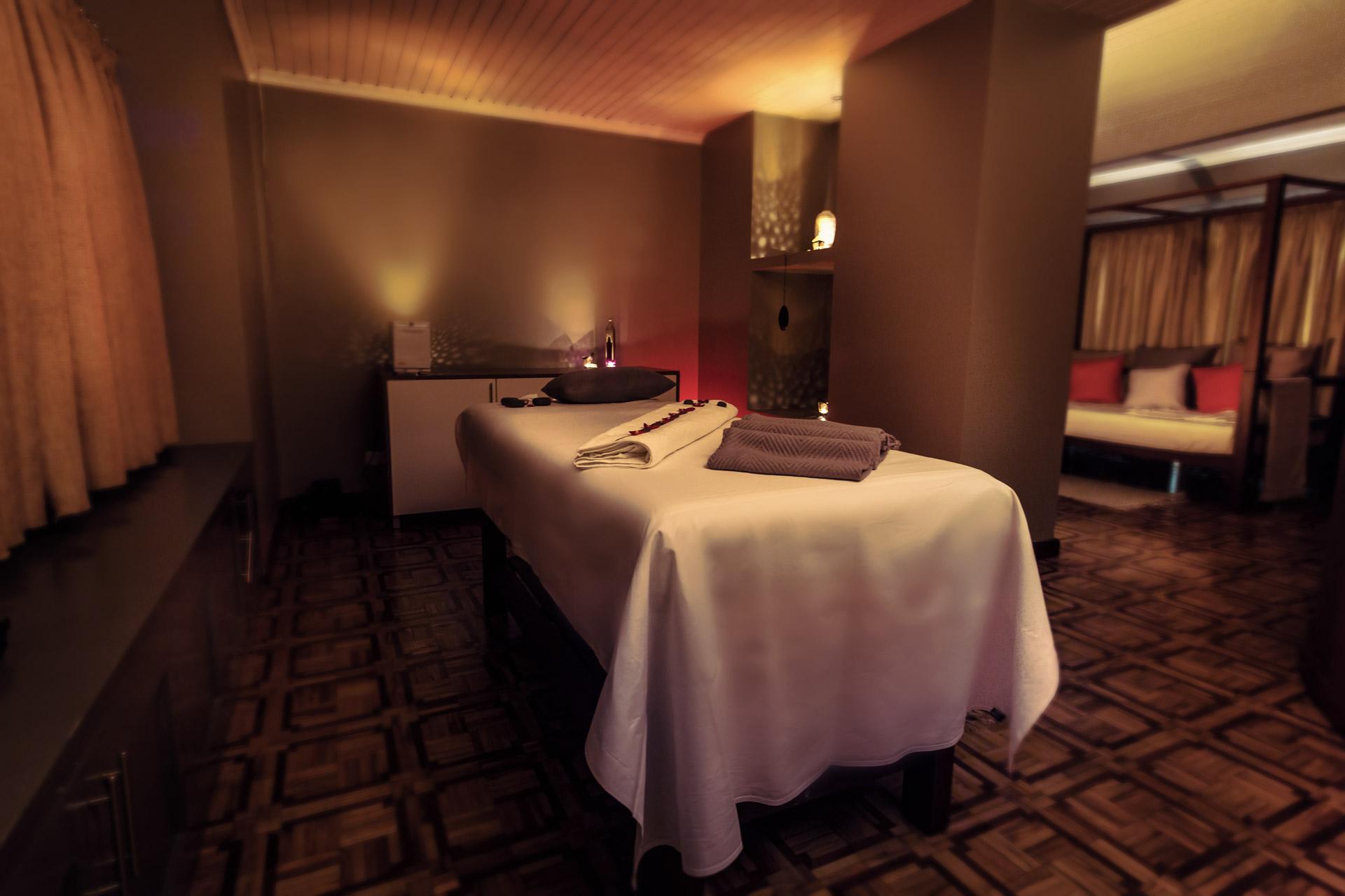 saffron_massage_room.jpg
