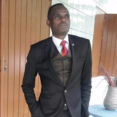 Stéphane Ngwe    Agriculture    Membre fondateur du club, son sens de l'humour très prononcé lui vaut une sympathie unanime des amis. Avec Stéphane, point d'ennui!