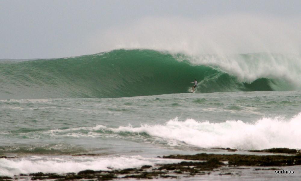 KabuNohi_Surf_Sobatu_Nias@Mark Flint (1).JPG