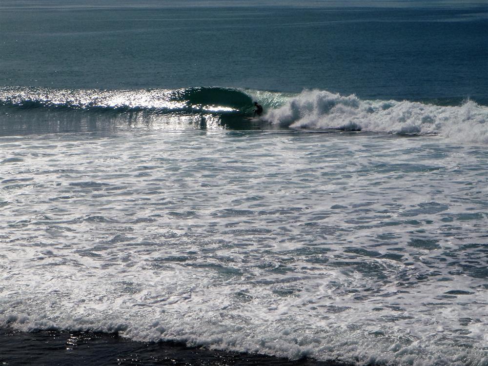 KabuNohi_Surf_Rockstars_40Mins away_Nias (4).JPG
