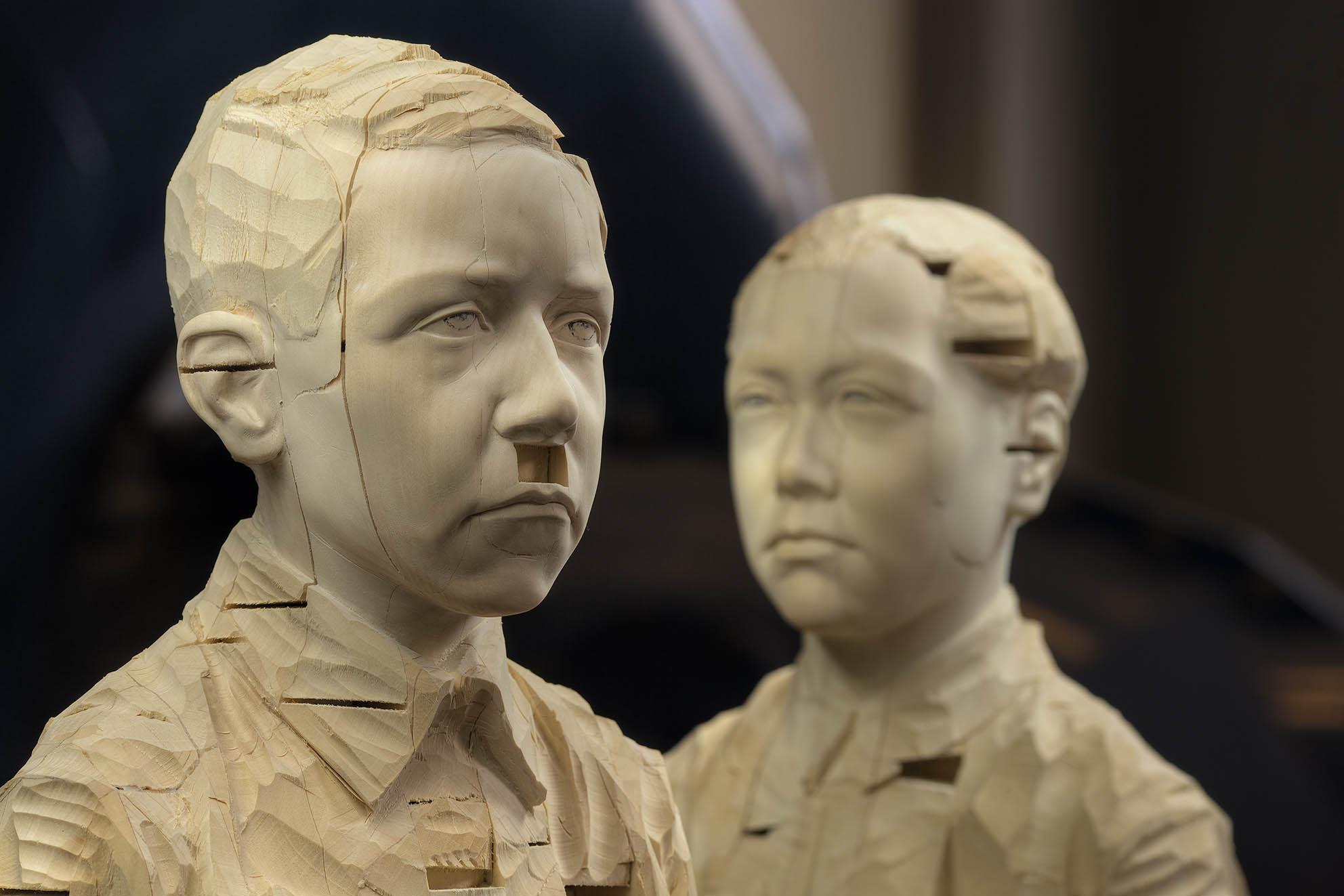 Hitler Mao, 2008, legno, (2x) 163 x 37 x 31 cm