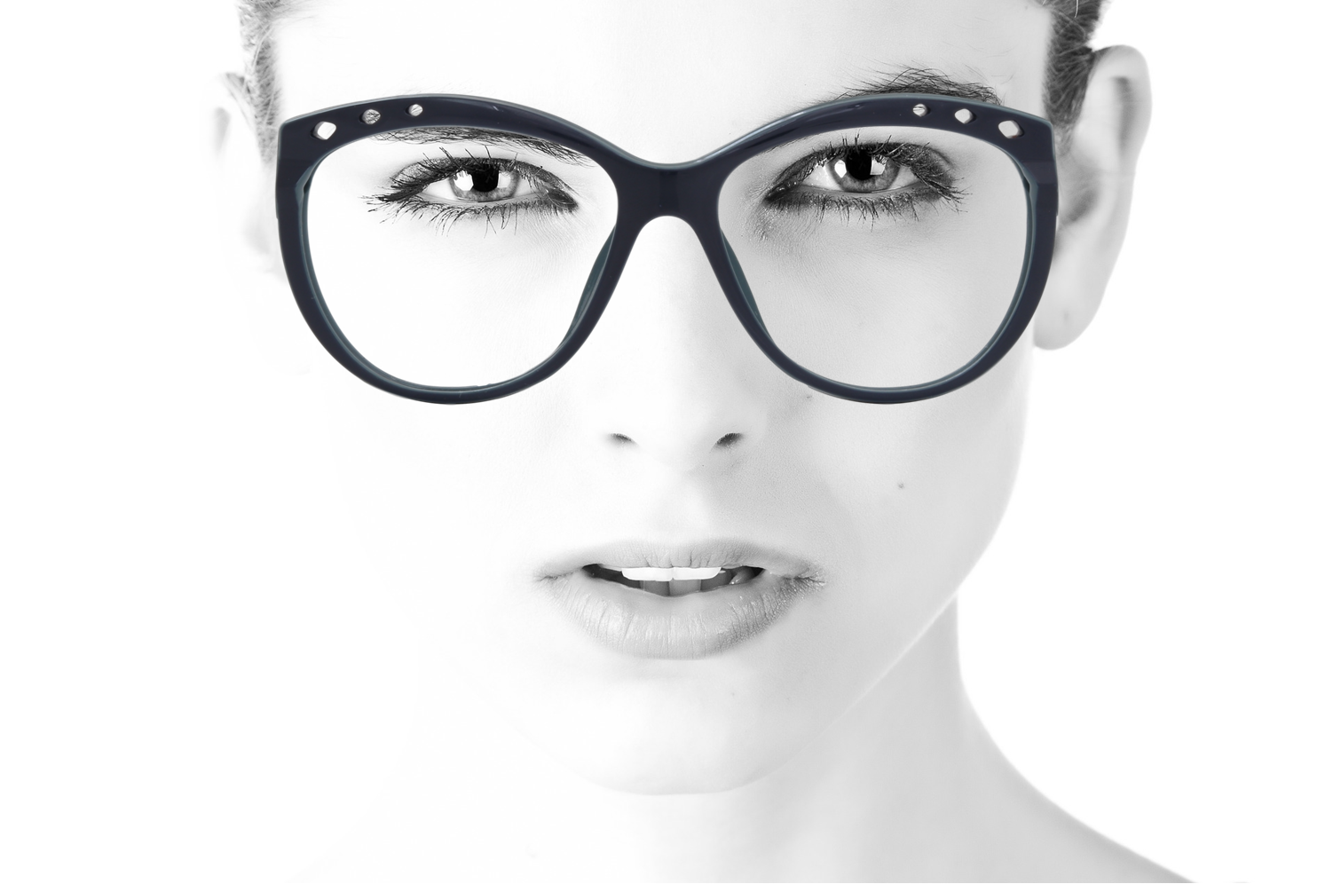 Peep Eyewear Virtual Try On, Downloadable images, Examples of frames being worn (5).png