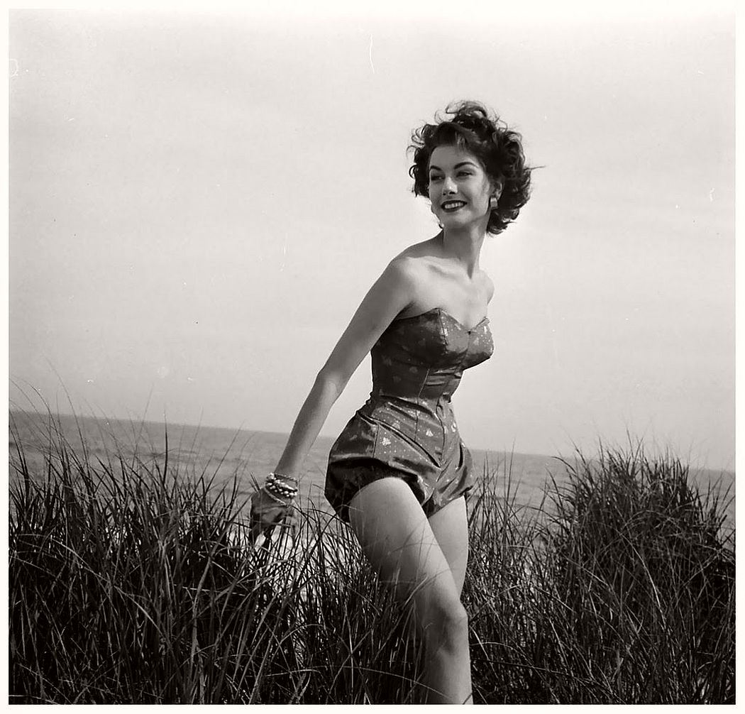 Nina Leen Vintage.jpg