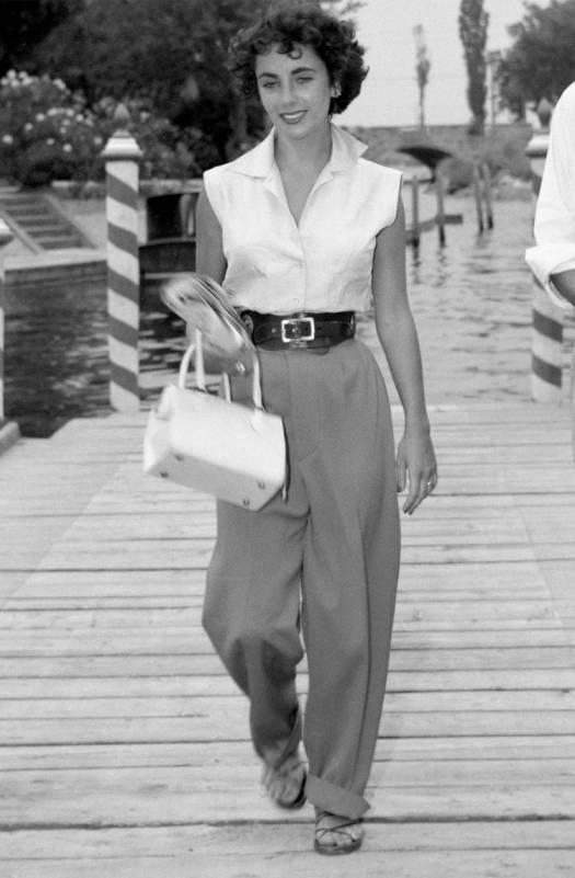 Elizabeth Taylor does a wide leg pant