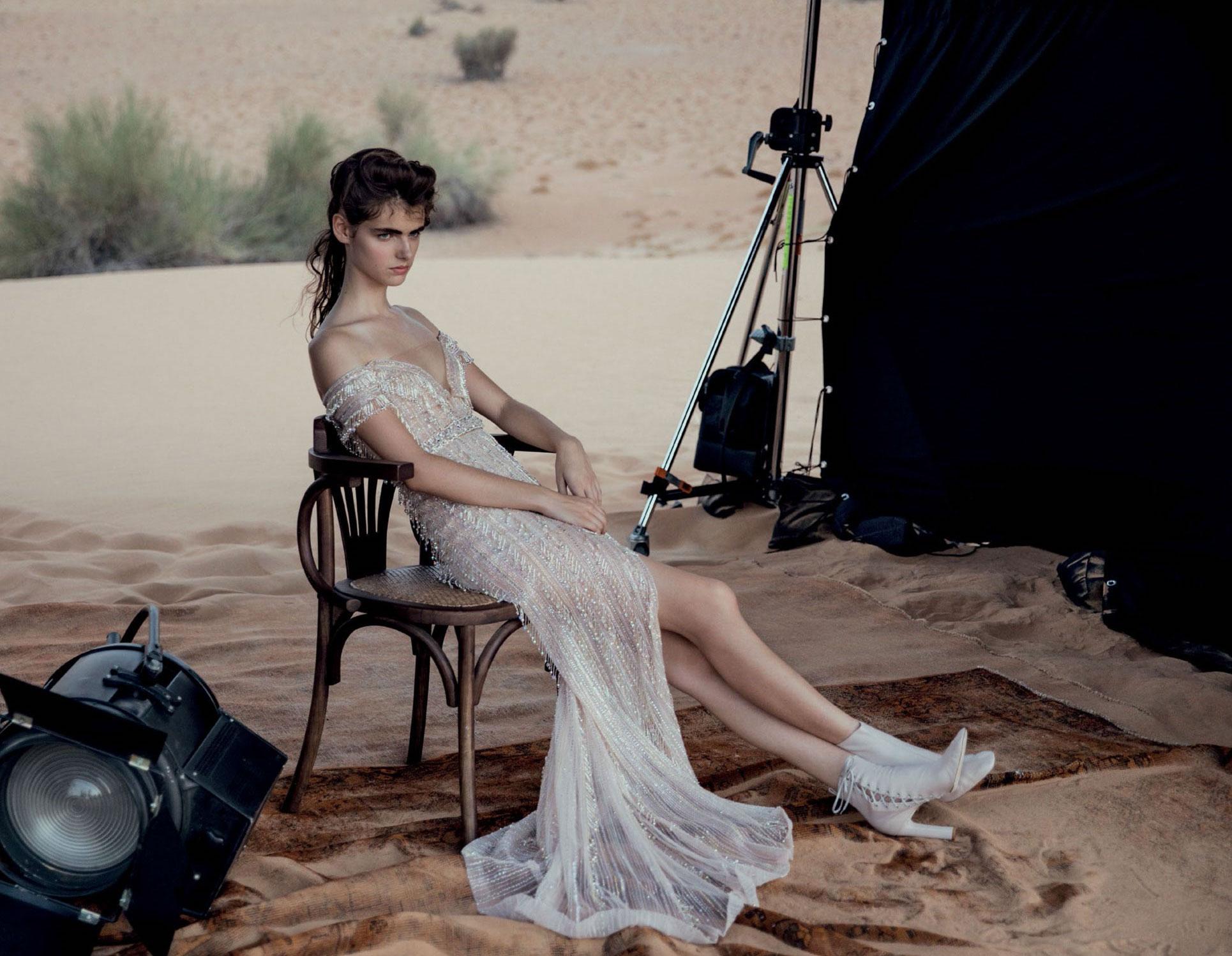 Vogue-Arabia-Sept_17-DPS 2.jpg