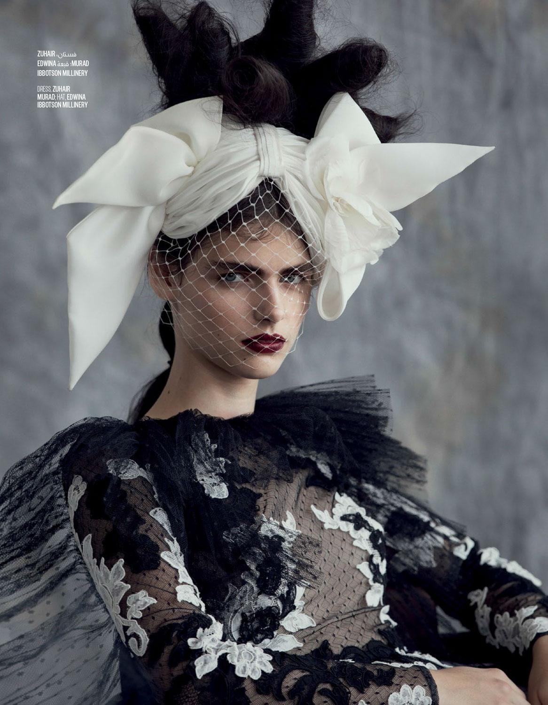Vogue-Arabia-Sept_17-14.jpg