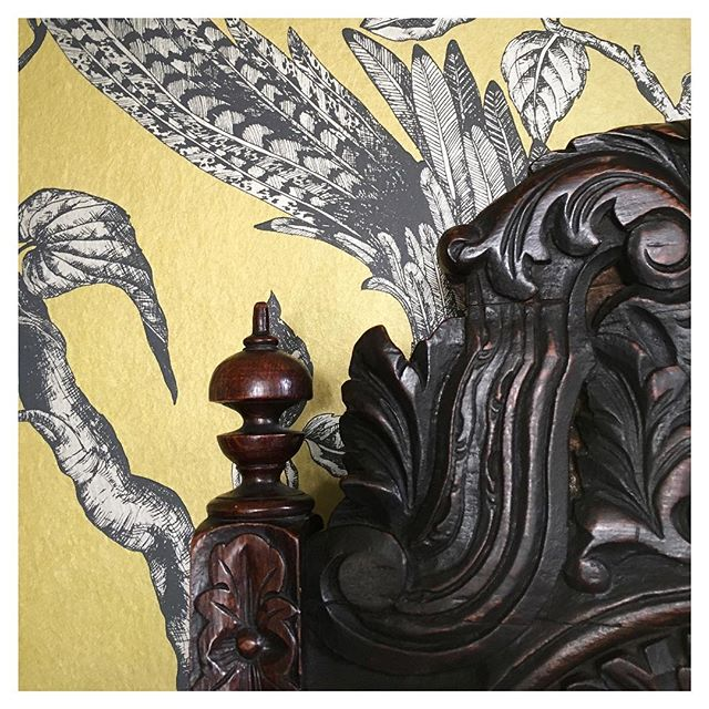 A detail shot from an exciting project we've been working on. A very grand drawing room - more coming soon! . . #interiordesign #interiors #traditional #dramatic #instahome #saaldesign #sarahahluwalia #design #wallpaper #cotswolds #leamingtonspa #warwickshire
