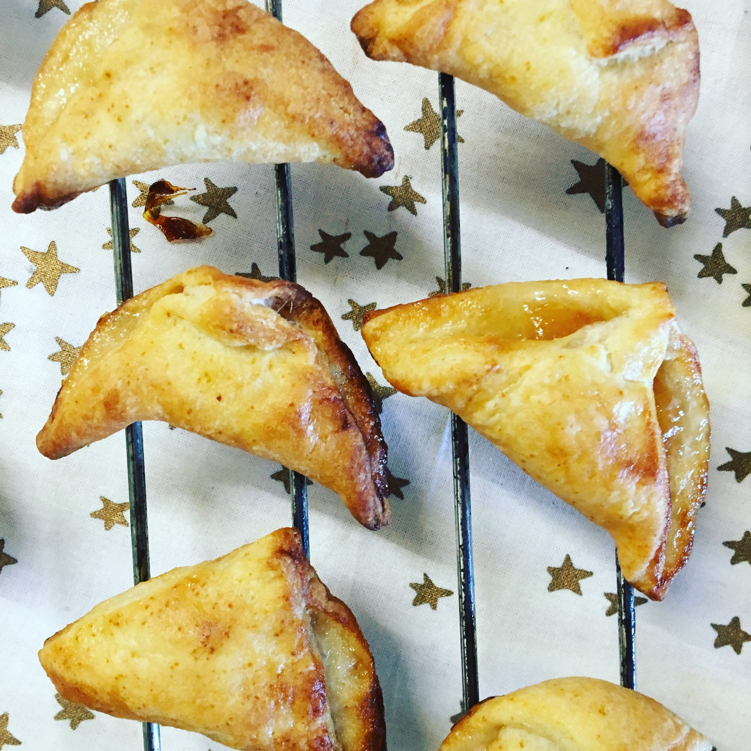 Crescent Jam and Cheese cookies