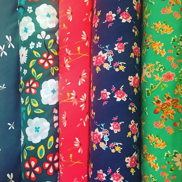 And lovely cotton knits #onlinefabricstore #onlinefabrics #sewing#makingclothes #knitfabric #artgalleryfabrics #cloud9fabrics #macasdamoronlineshop #macasdamorfabrics #macasdamor