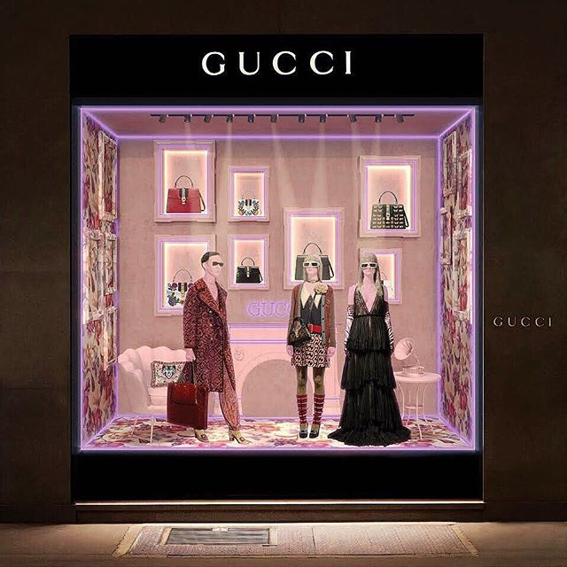 """Last year I made a display window proposal for @gucci, My take for them was """"Neon inspired monochromes"""" with Gucci feeling that become a retro futuristic representation of Art Deco."""